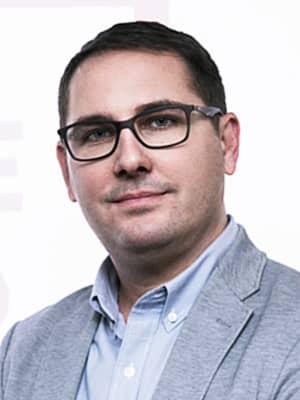 César Tello